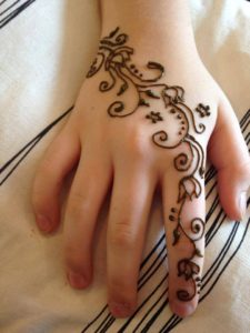 June 9, 2016: Henna Camp! with Kumari Sky